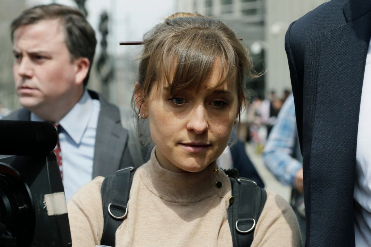 Actor Allison Mack faces sentencing in NXIVM sex-slave case