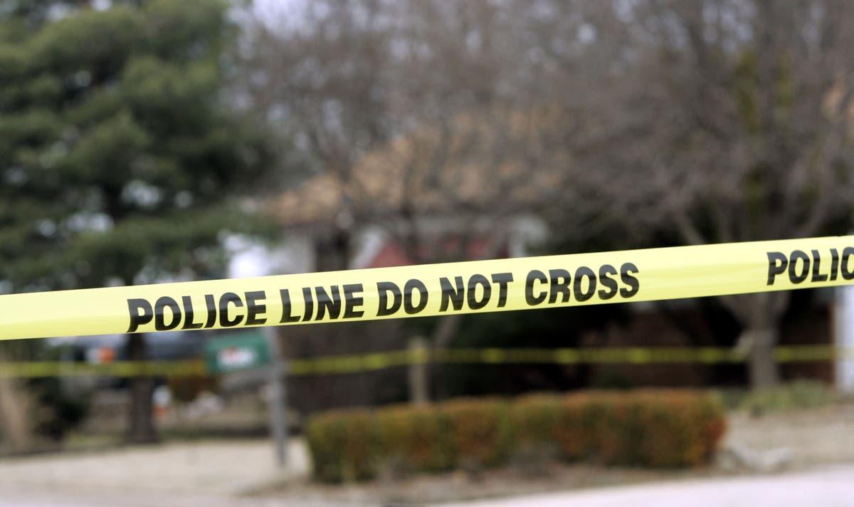 テキサスの父親が「10歳の娘の寝室をのぞき込んでいた」男を撃つ