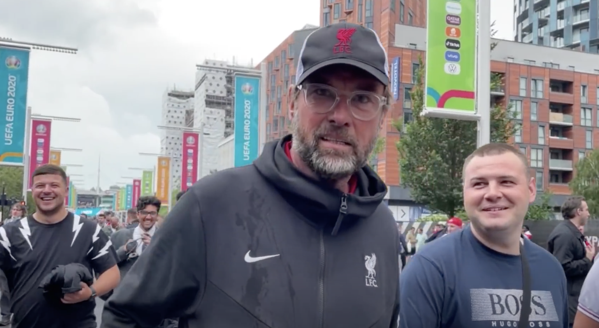 Presenter appears to mistake Jurgen Klopp lookalike for real Liverpool manager