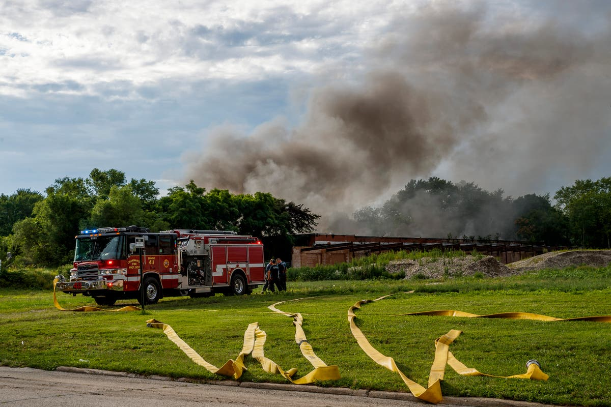 Batteries exploding in burning abandoned Illinois building