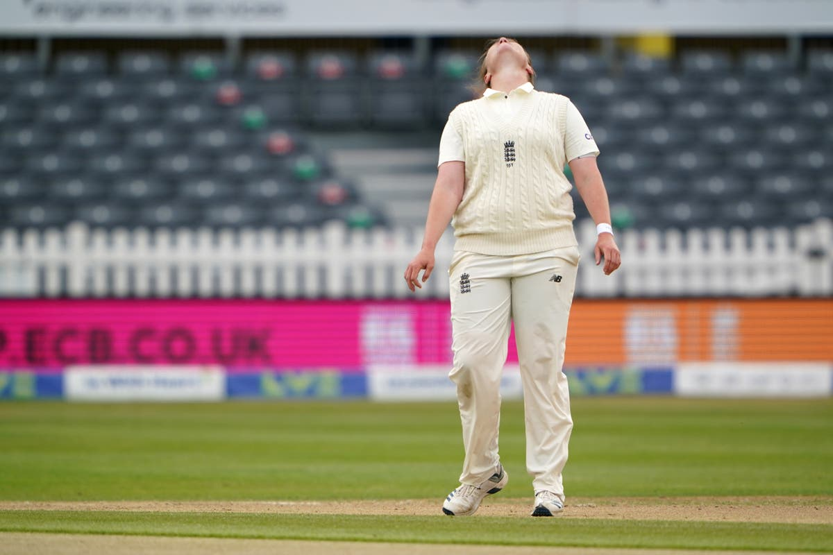 Anya Shrubsole happy to be back after 'difficult year'