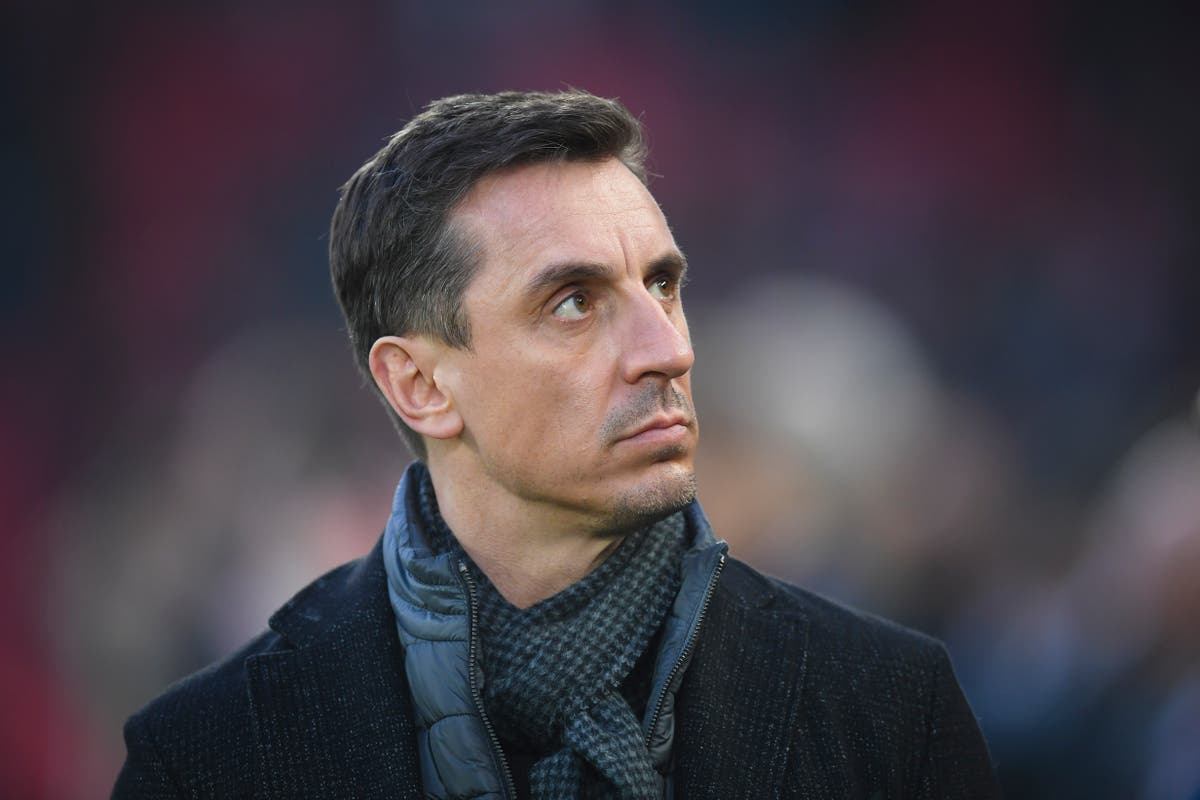 Gary Neville: Manchester United 'don't play well enough as a team to win the title'