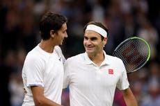 Roger Federer eases past Lorenzo Sonego to reach Wimbledon quarter-finals