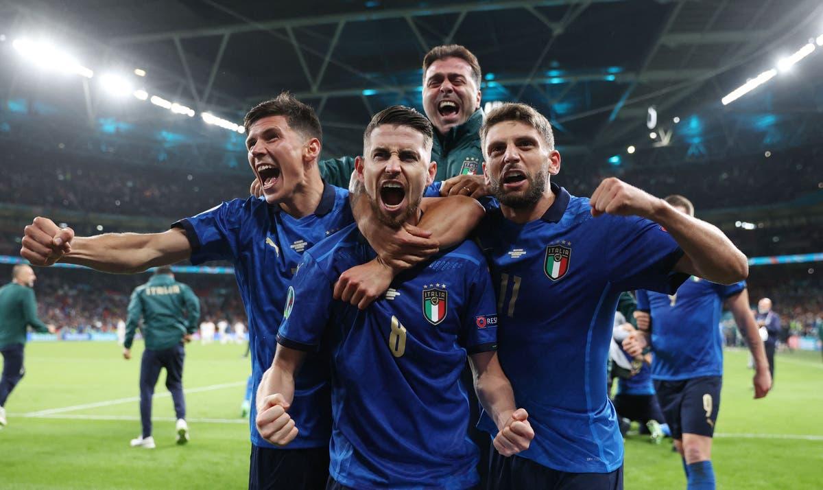 Chelsea's Jorginho backed by Italy team-mate Giorgio Chiellini for the Ballon d'Or