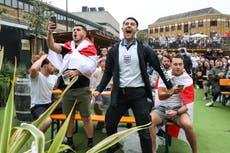 イングランドのファンは 50,000 ユーロセミの間に1分パイント