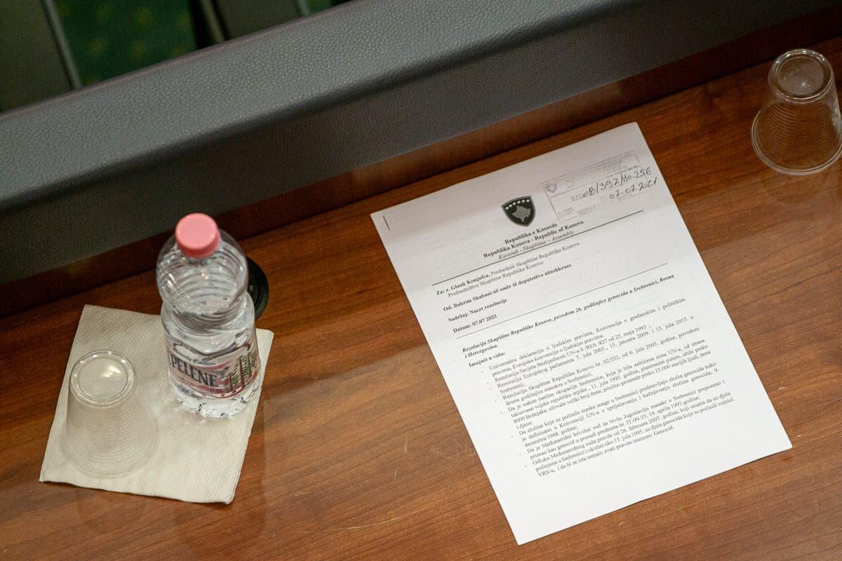 Kosovo adopts resolution to condemn 1995 Srebrenica massacre