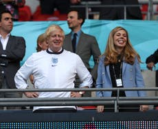 As England head to the Euro 2020 finaal, Boris Johnson's football 'fandom' just seems comical