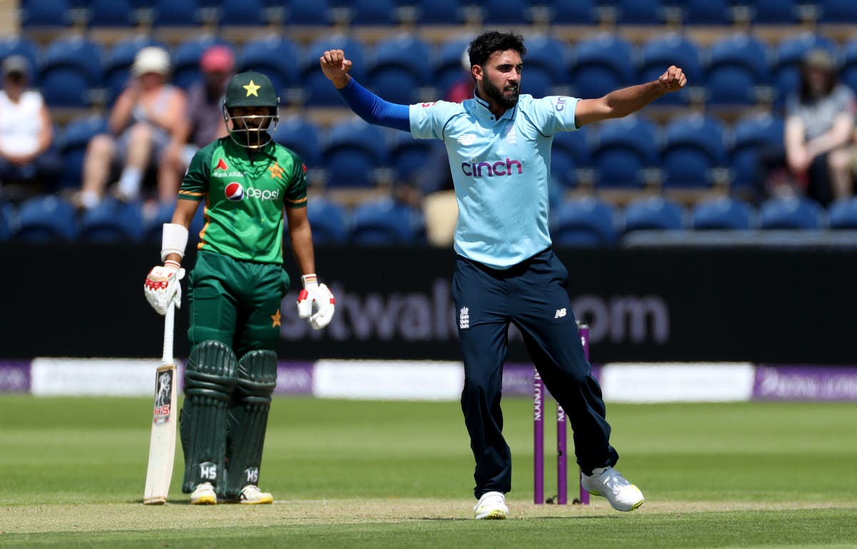 Saqib Mahmood still bowled over by shock call-up as England punish Pakistan