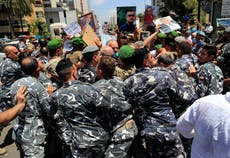 ベイルートの爆発被害者の家族は当局者を起訴したい