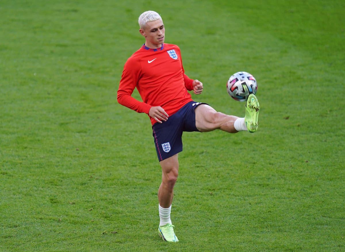 Den engelske midtbanespilleren Phil Foden er tvilsom for Euro 2020 finale med fotskade