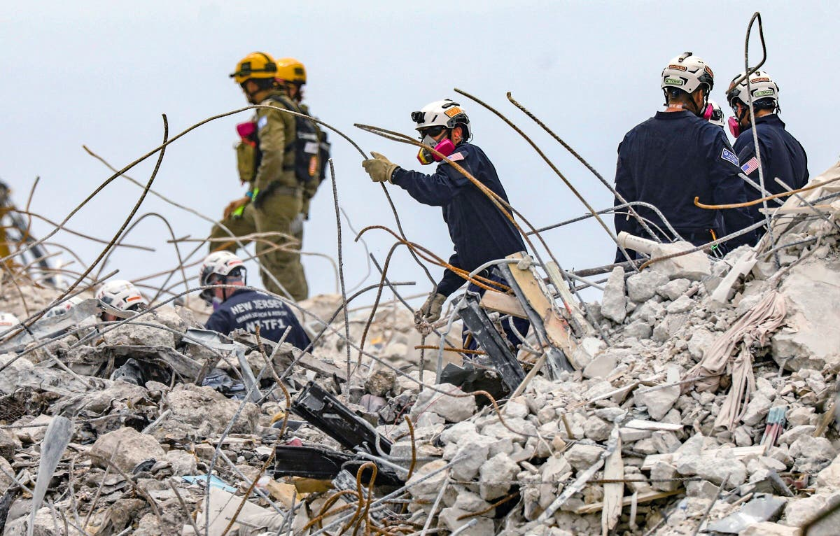 Search at collapse site revives memories of past tragedies