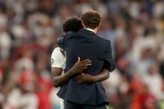 英国领导人谴责针对英格兰球员的种族主义