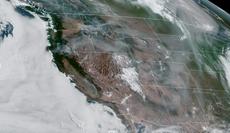 山火事は 1 カリフォルニアが5回目のエネルギー削減を促したため、100万エーカーの米国とカナダ