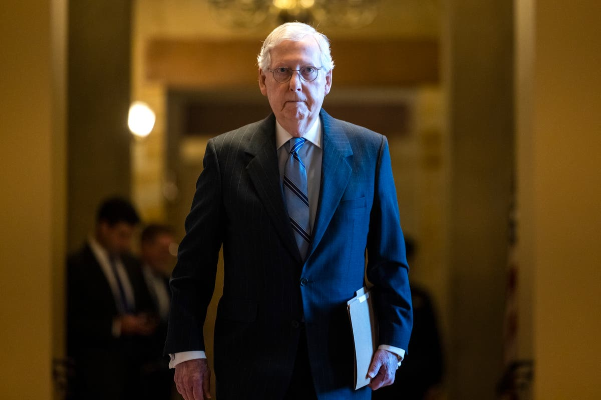 Mitch McConnell accuses Texas Democrats of traveling to DC to 'snap selfies' as GOP dodges debate on voting rights
