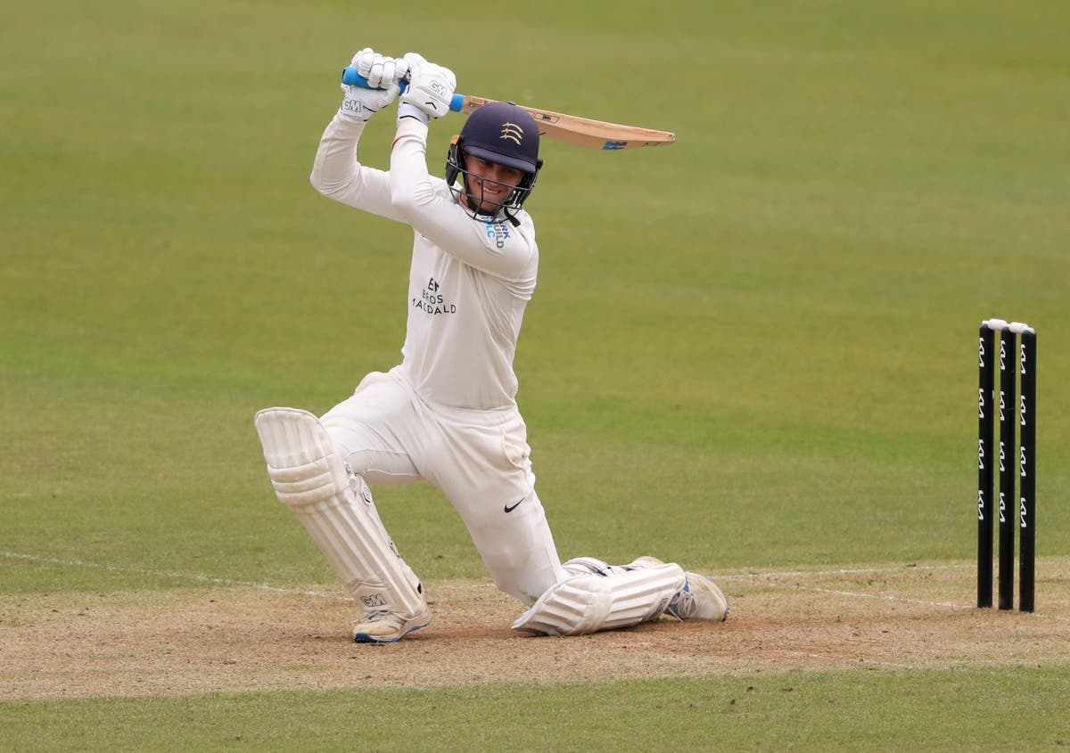 Hampshire secure Division One spot with victory over Gloucestershire