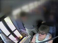 Une famille poursuit après qu'un bus scolaire ait traîné une fillette de 6 ans dans la rue par son sac à dos