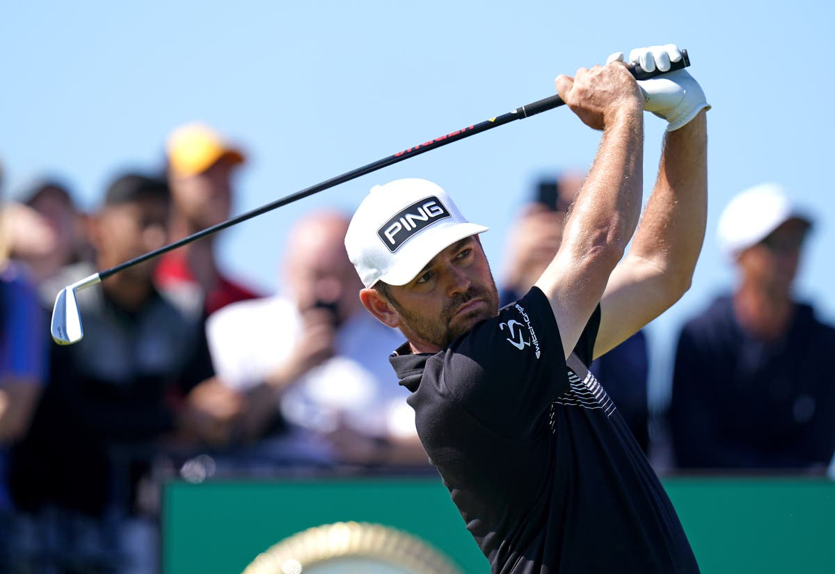 Louis Oosthuizen takes two-shot lead into weekend at The Open
