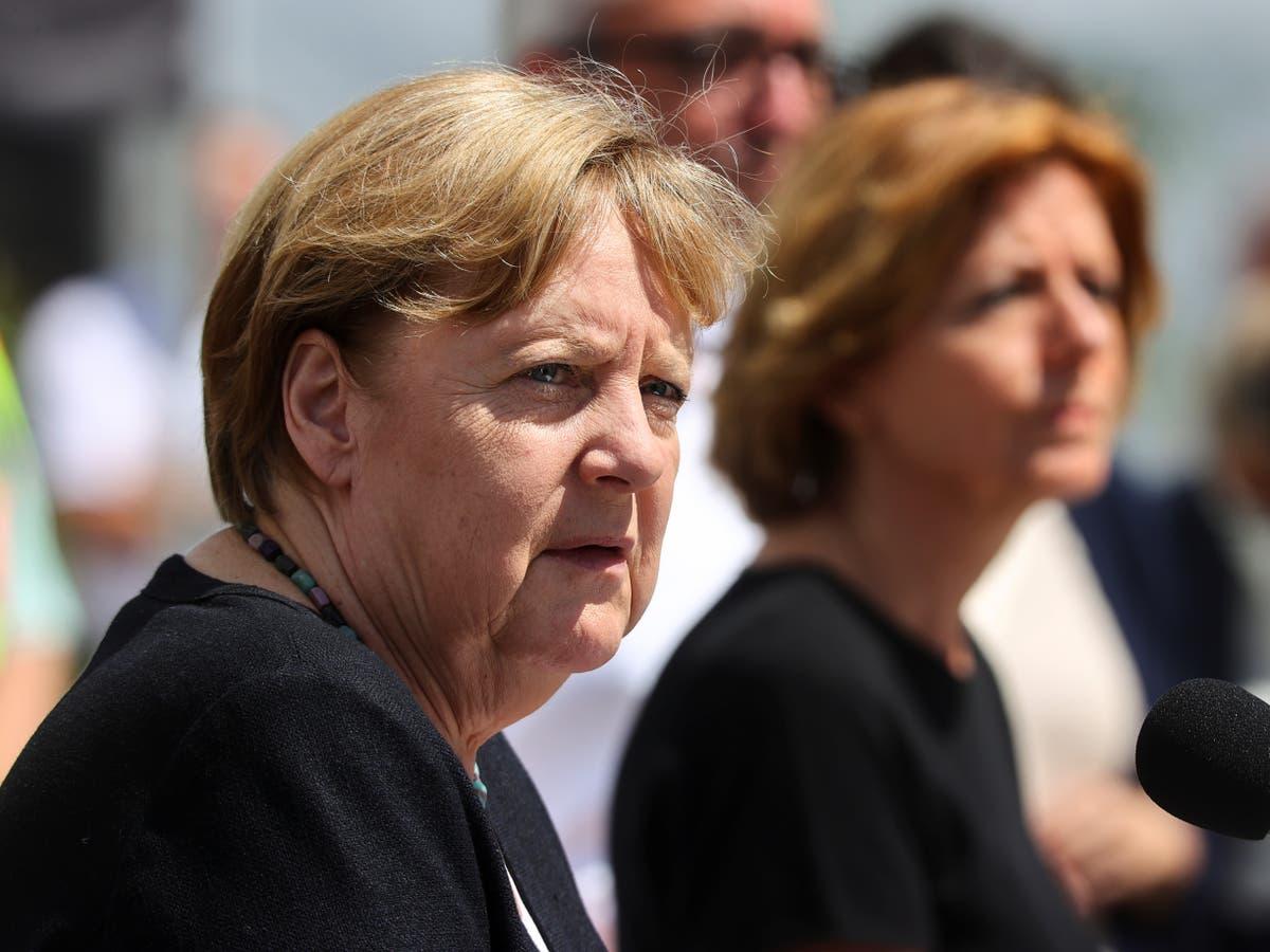 """默克尔说德语中没有描述洪水后""""超现实""""破坏的词——关注直播"""