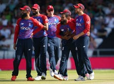 England spinners shine as win over Pakistan keeps series alive