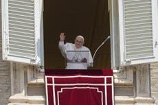 Pope diz às pessoas que elas têm que parar de 'correr freneticamente'