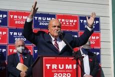 Trump aides deliberately gave Giuliani wrong time for debate prep, 新しい本の主張