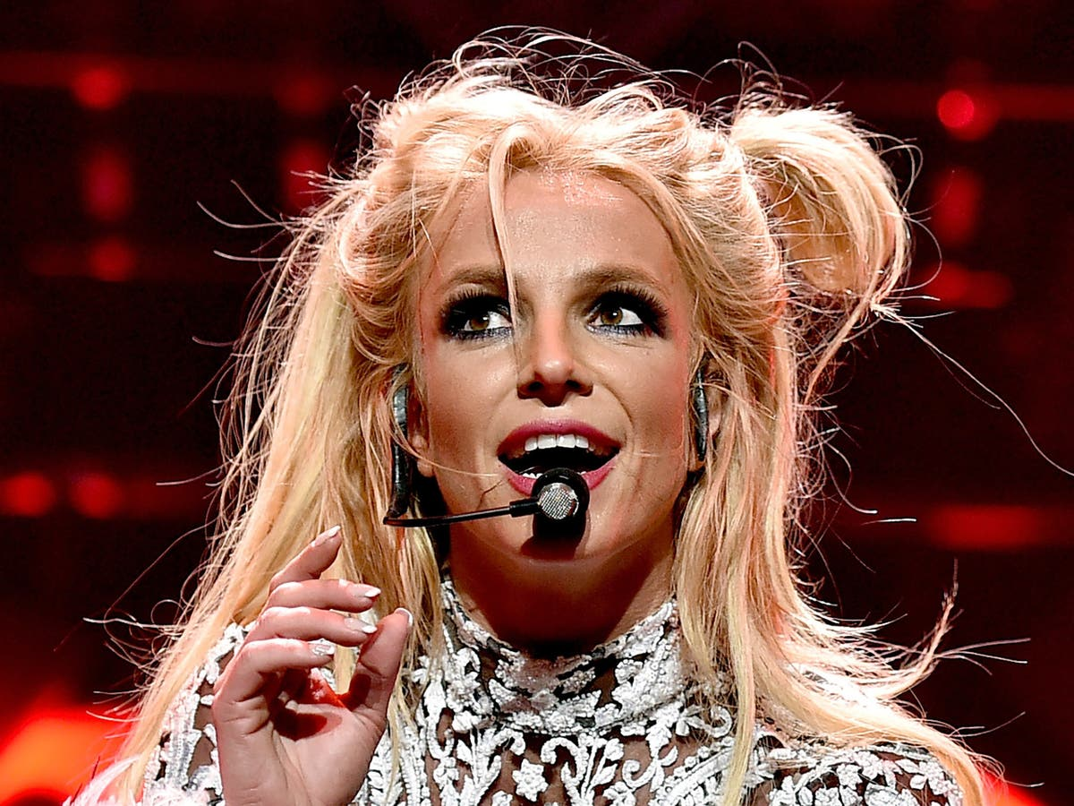 Britney Spears accuses media of 'saying horrible and mean lies' about her