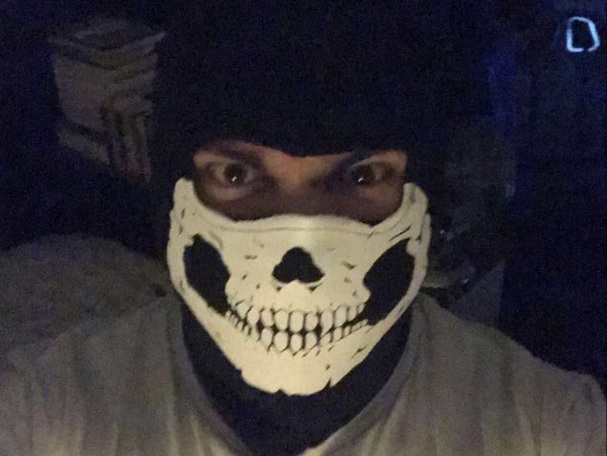 Neo-Nazi Andrew Dymock tronk toe vir fondsinsameling vir ekstreme regse groep
