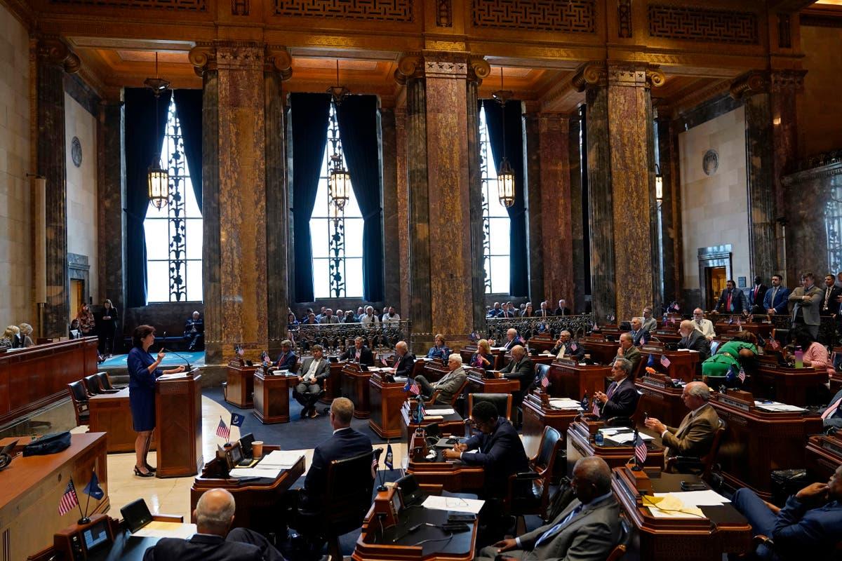 Louisiana lawmakers fail to overturn veto of transgender ban