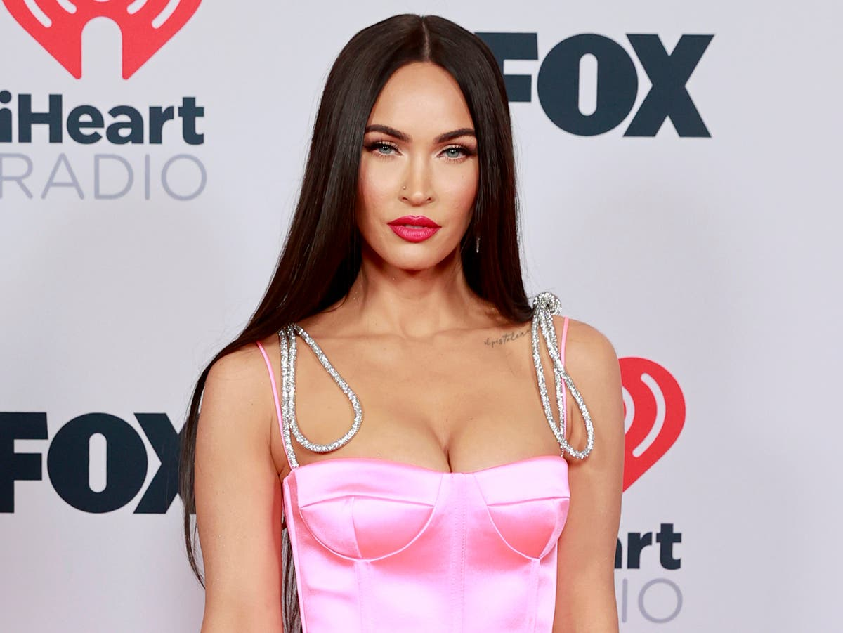 Megan Fox explains why she stopped drinking after 'belligerent' Golden Globes appearance