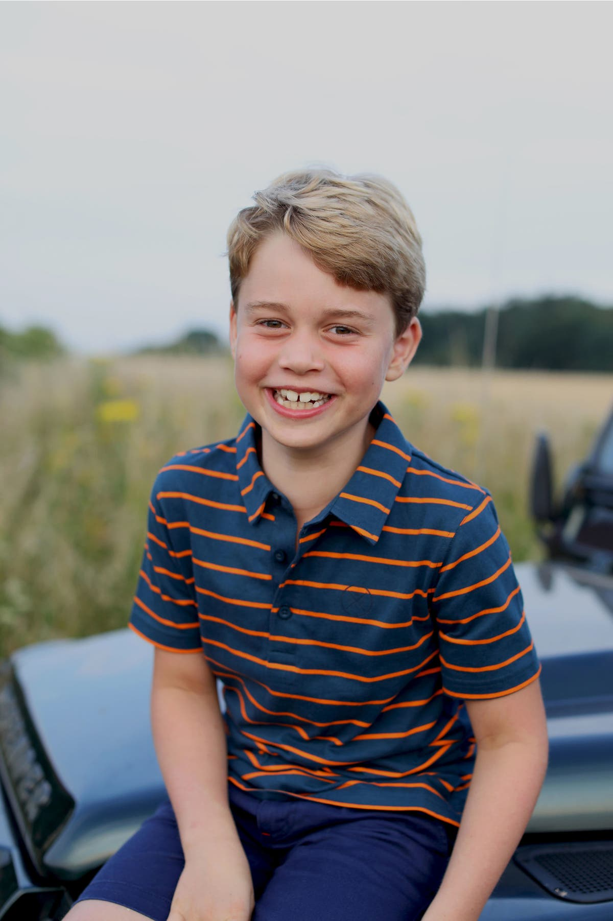 Prince George marks eighth birthday with new photo in front of Land Rover