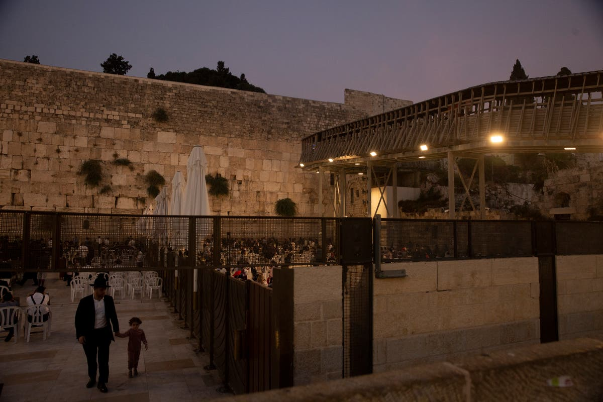 Politics foil replacing hazardous bridge to Jerusalem site