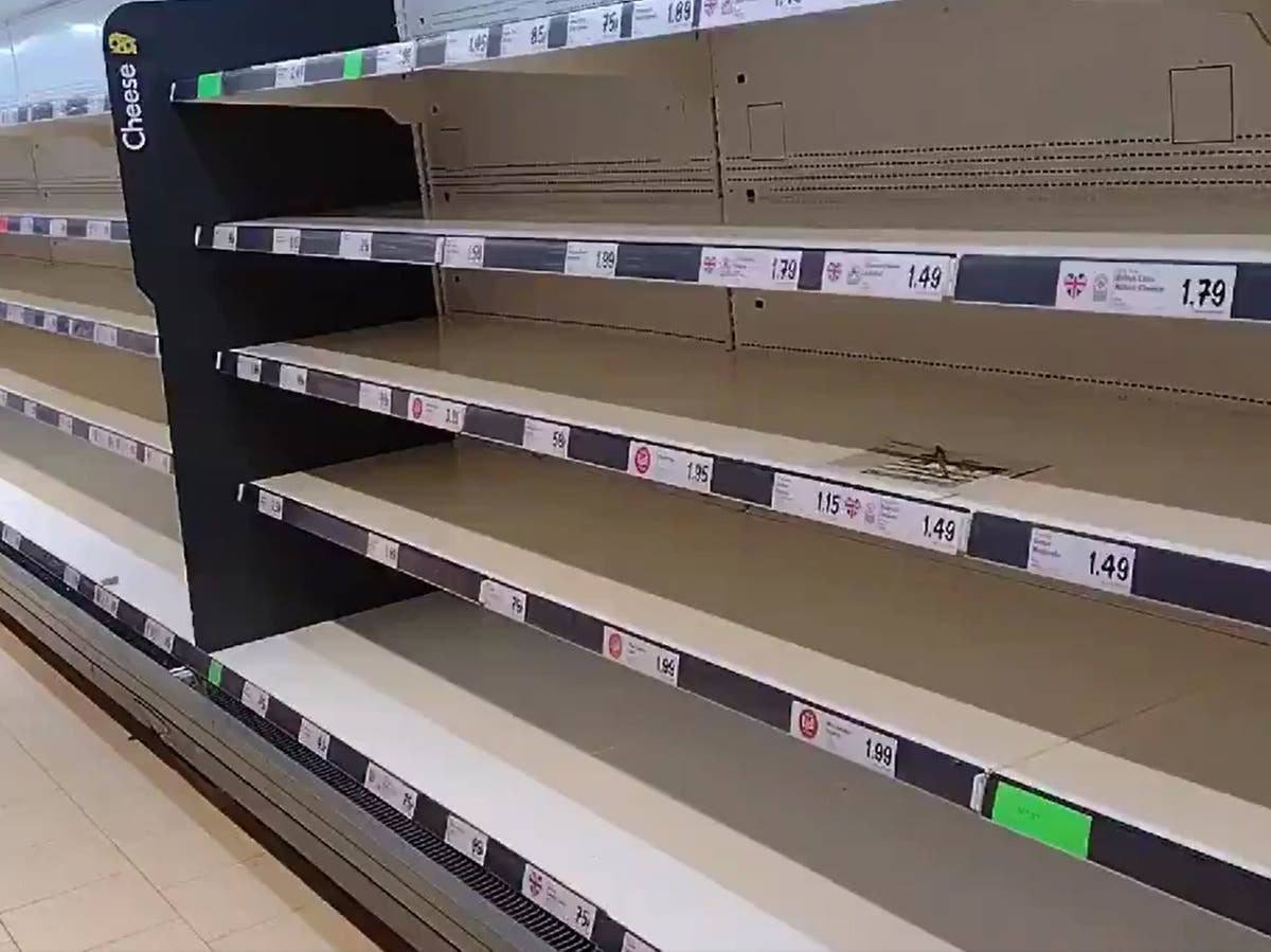 Will the 'pingdemic' really cause food shortages?