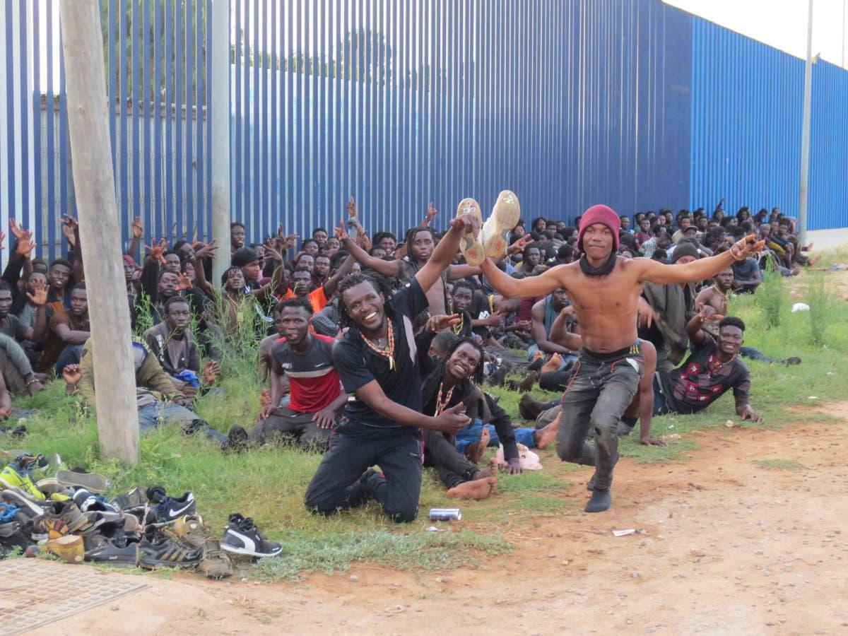 Oor 200 African men cross from Morocco into Spain's Melilla