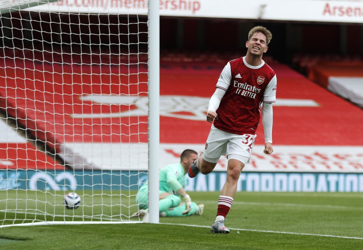 Arsenal tie Emile Smith Rowe to long-term deal