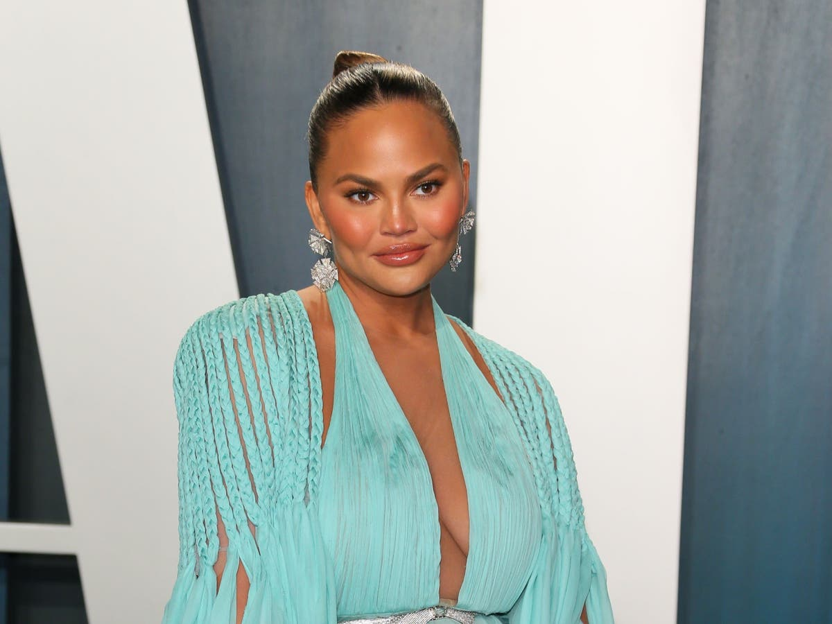 Chrissy Teigen tearfully shares condolence letters she received from fans after pregnancy loss