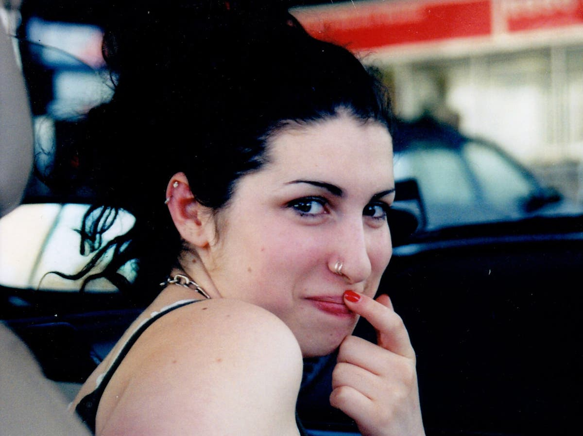 New Amy Winehouse film, Reclaiming Amy is a harrowing account of a family's grief – review