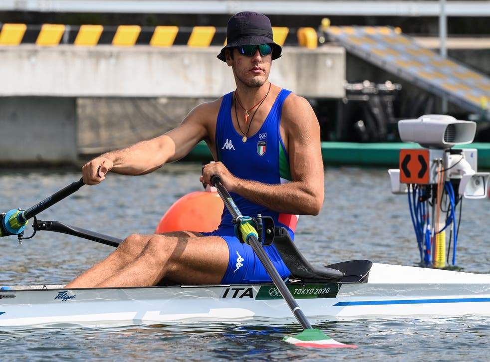 <p>Italy's Gennaro Di Mauro prepares to compete in the men's single sculls rowing heats during the Tokyo 2020 Olympic Games at the Sea Forest Waterway in Tokyo on July 23, 2021. </p>