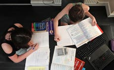 Daily Covid testing for school children just as effective as isolation, estudo sugere