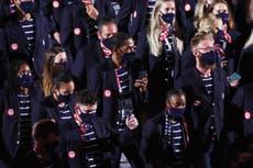As pessoas estão pedindo que Ralph Lauren seja substituída como designer de roupas olímpicas da equipe dos EUA