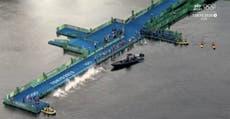 Moment désastreux où un bateau a empêché la moitié des concurrents de commencer le triathlon aux Jeux olympiques de Tokyo