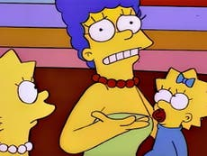 Os Simpsons: New episode claims Marge was still in high school in 2000