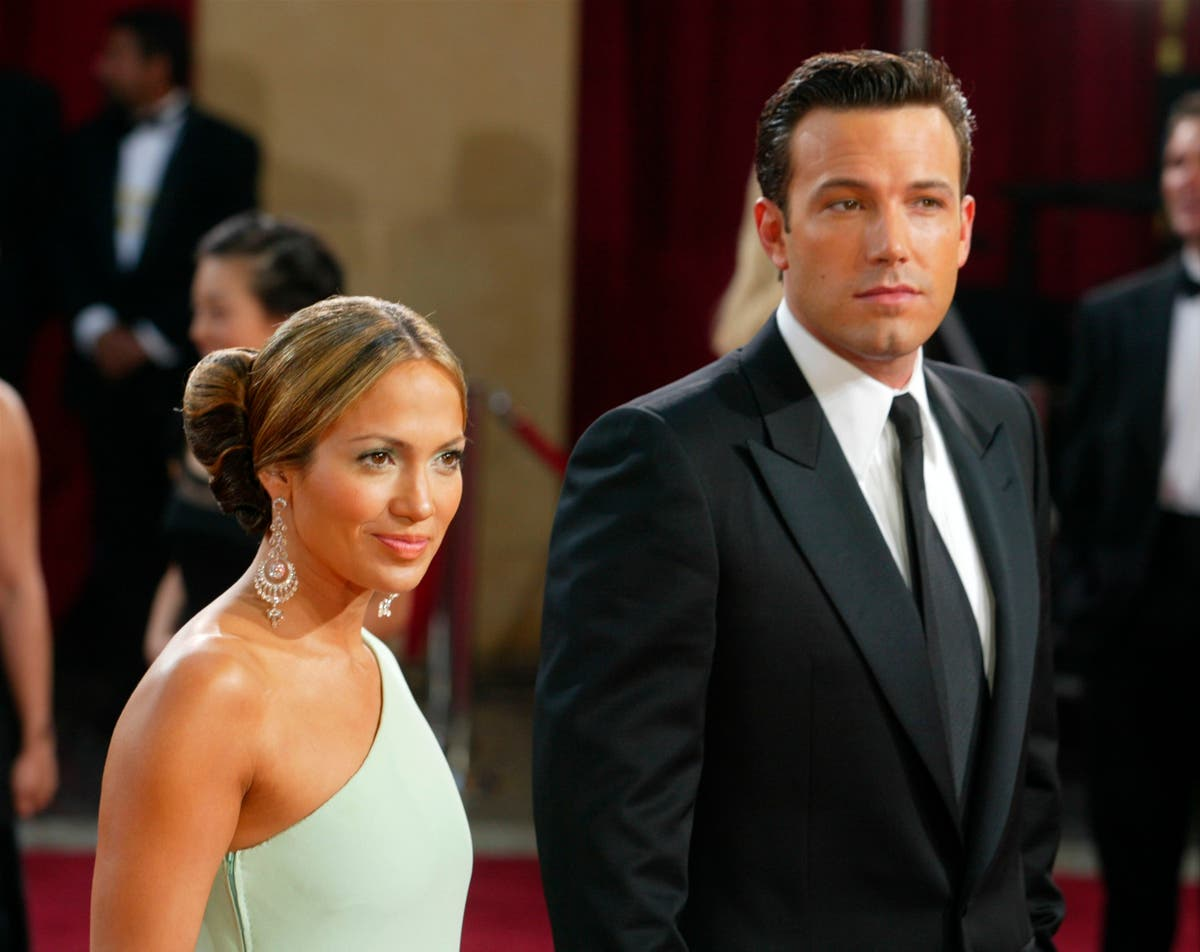 How the internet reacted to Jennifer Lopez and Ben Affleck's reunion