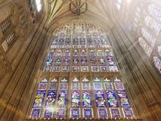 Révélé: Les plus anciens vitraux de Grande-Bretagne - cachés à la vue de tous 900 années