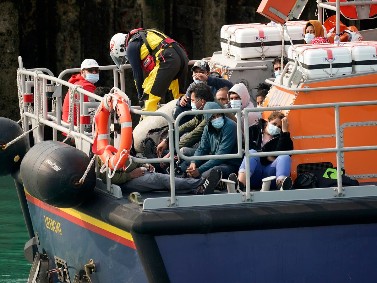 RNLI sees 2,000% daily increase in donations after criticism of asylum rescues in Channel