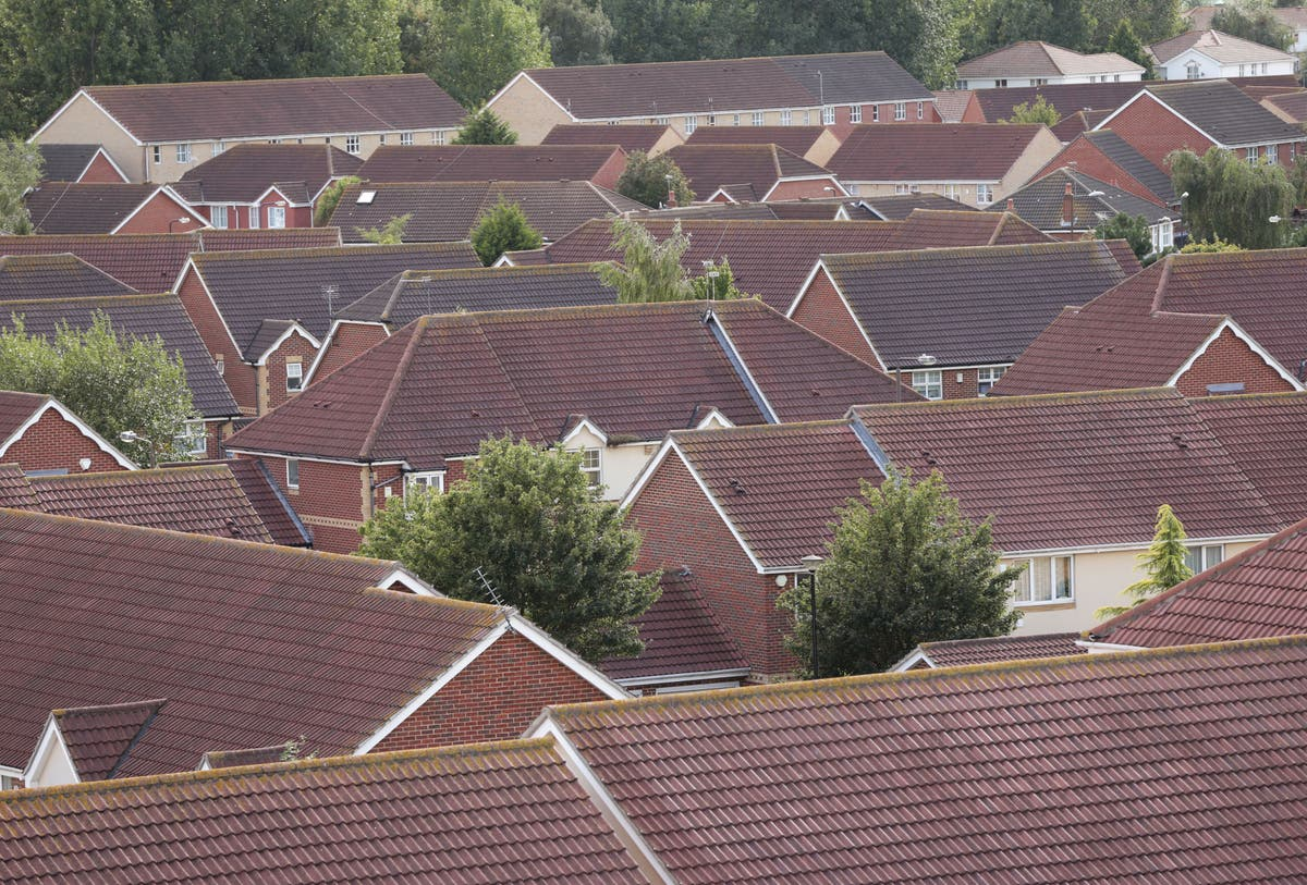 House prices 'are now 30% higher than their 2007 peak'