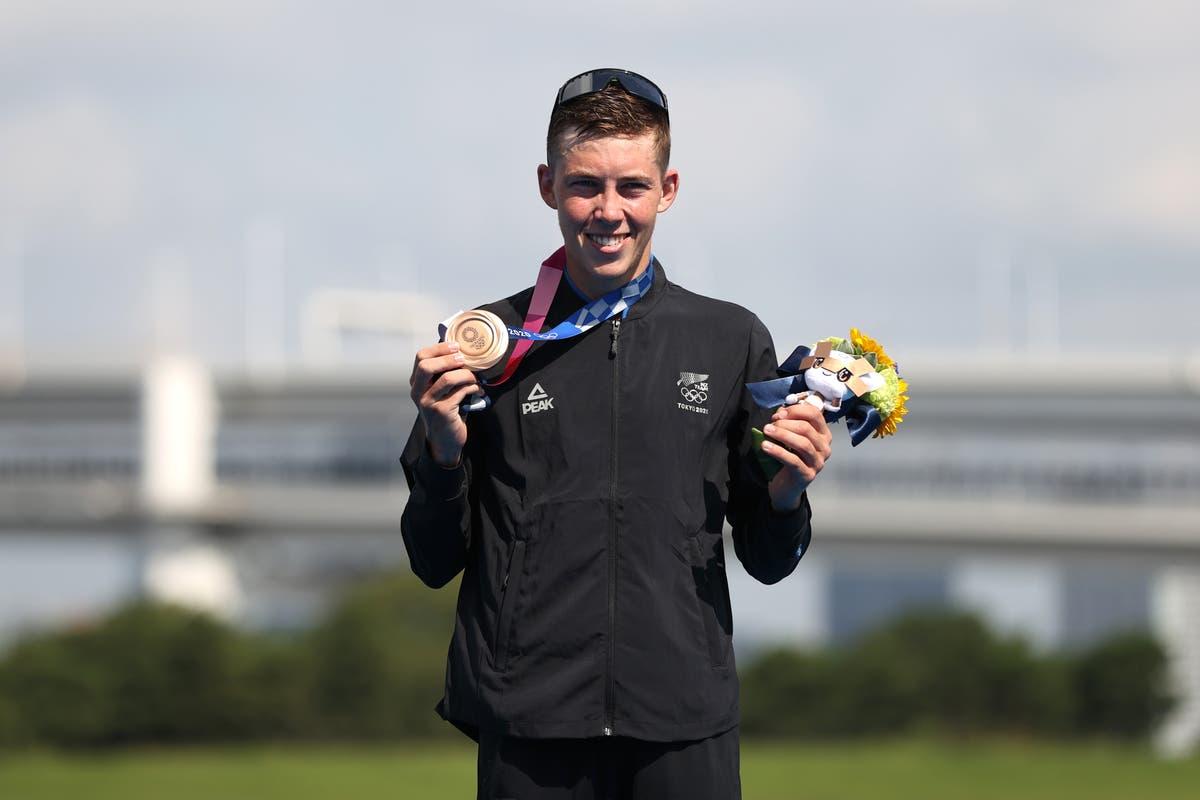Den tidligere eks-kjæresten til New Zealand uttrykker beklagelse for bruddet etter at han vant bronsemedalje