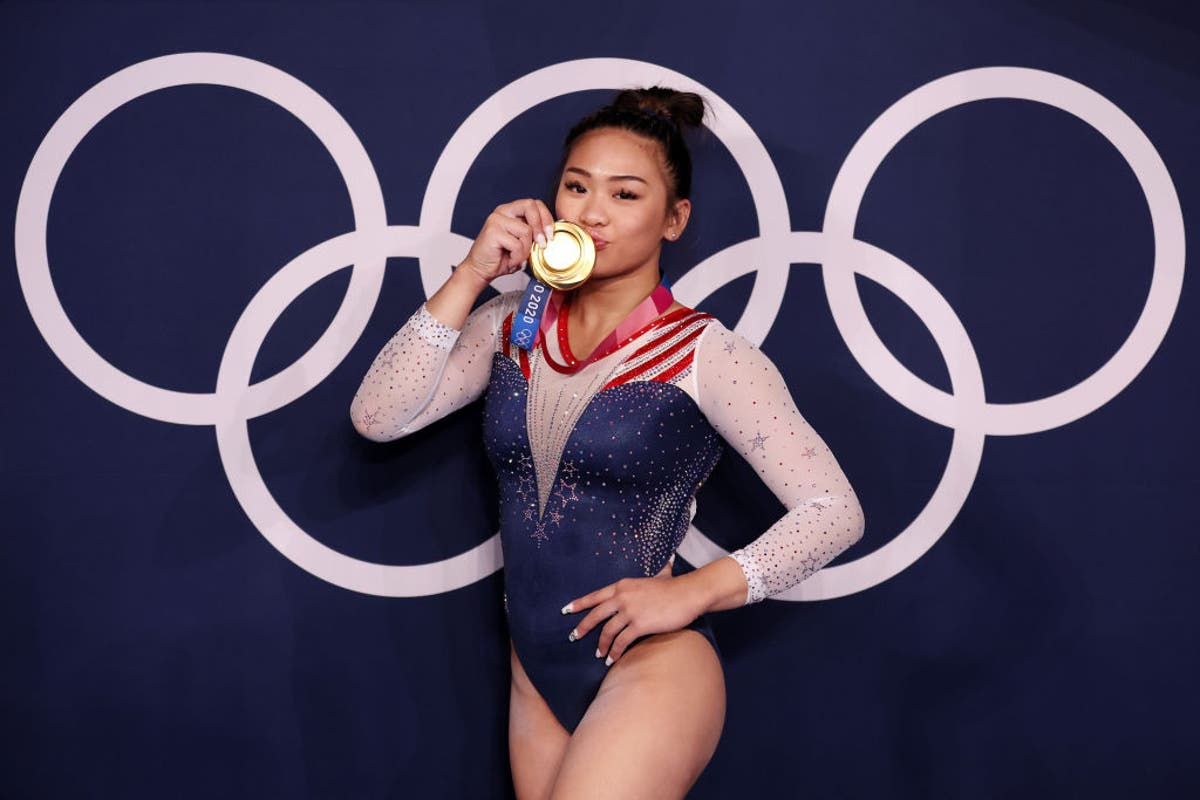 Video shows tear-jerking moment Suni Lee's family reacts to her Olympic gold win