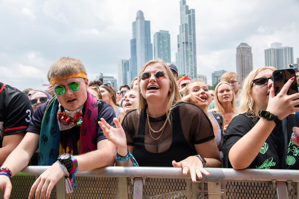Massive Lollapalooza crowds spark fears of Covid superspreader