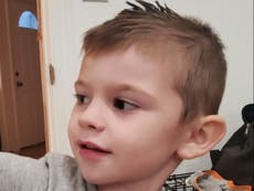 4-year-old boy died of suffocation before being found in toy chest, sê die polisie