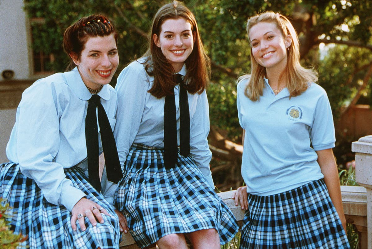 Anne Hathaway celebrates 20th anniversary of The Princess Diaries with throwback photos